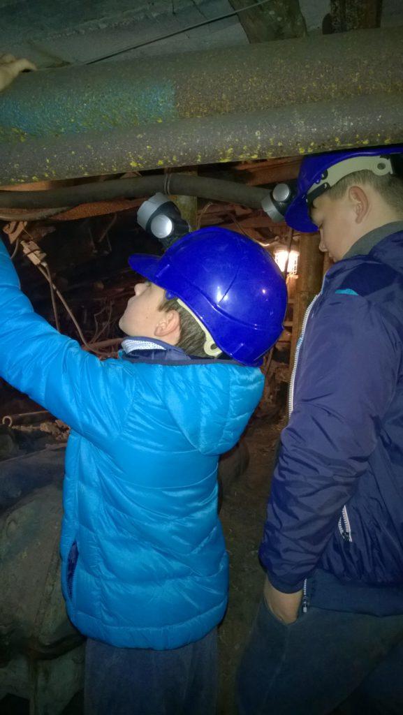 2017-10-24 Výlet do dolu Mayrau s programem Cestou báňského záchranáře-016 (1)